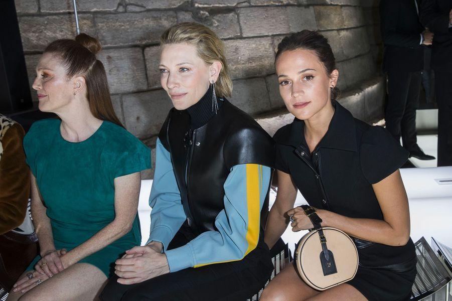 Julianne Moore, Cate Blanchett et Alicia Vikander au défilé Louis Vuitton à Paris
