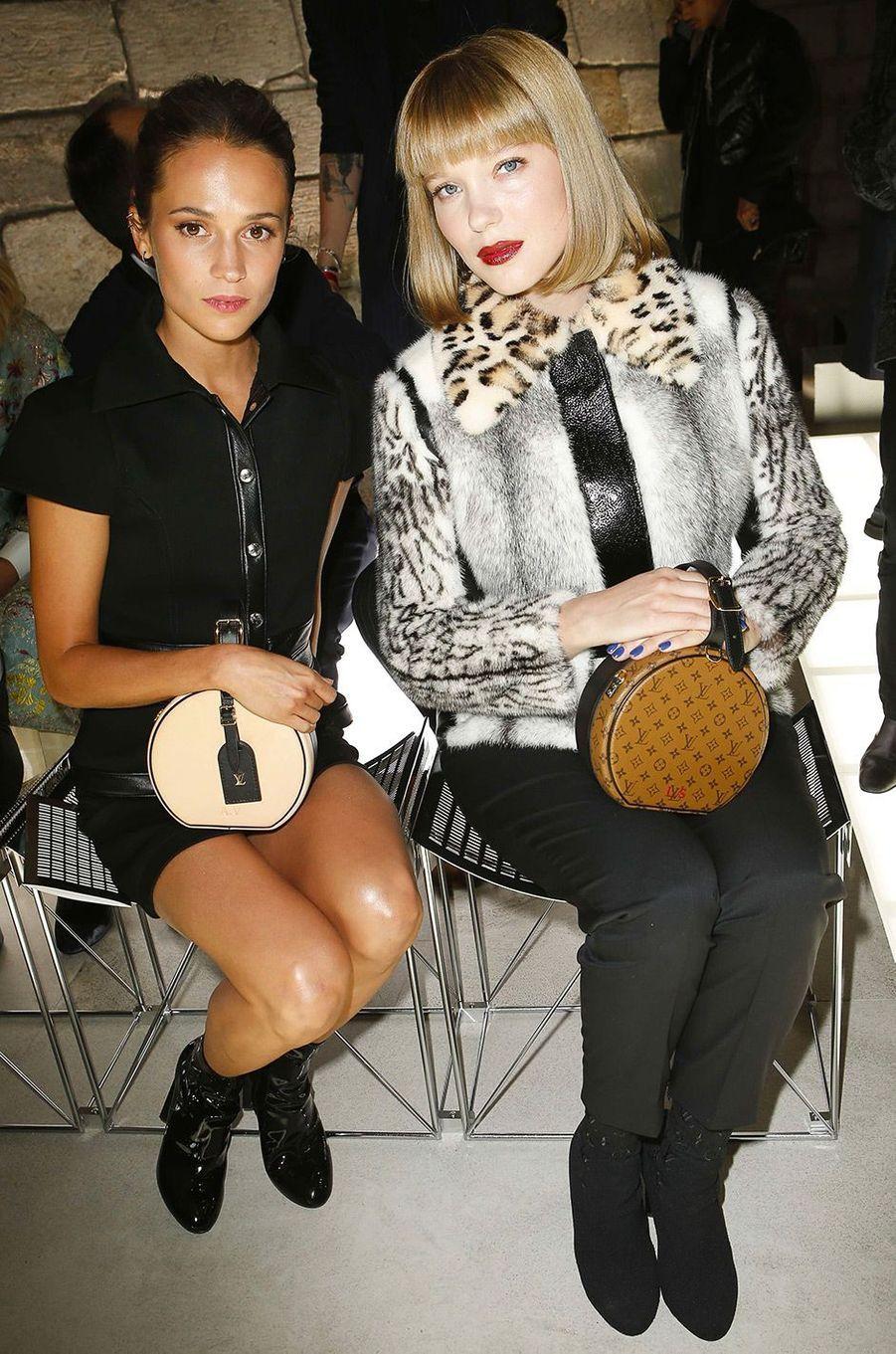 Alicia Vikander et Léa Seydoux au défilé Louis Vuitton à Paris