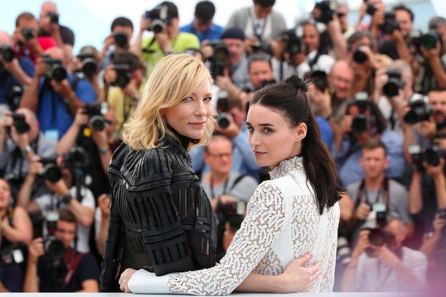 """Cate Blanchett avec Rooney Mara au 68e Festival de Cannes (2015) pour présenter le film """"Carol"""""""