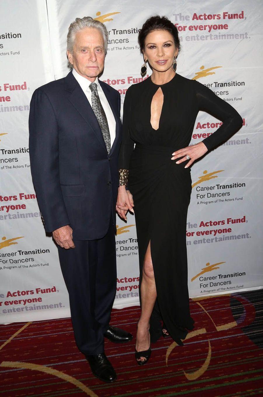 """Michael Douglas et Catherine Zeta-Jones au gala de """"The Actor's Fund Career Transition for Dancers"""", le 1er novembre 2017 à New York."""