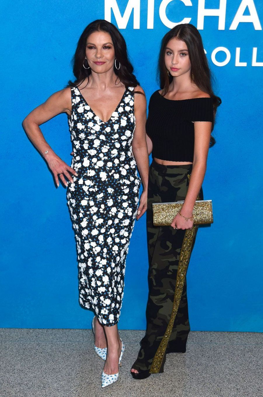 Catherine Zeta-Jones et sa fille Carys au défilé Michael Kors le 12 septembre 2018 à New York