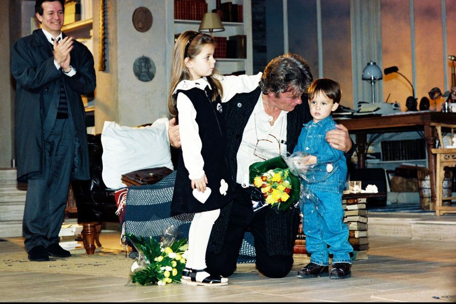 Alain-Fabien Delon, son père et sa soeur