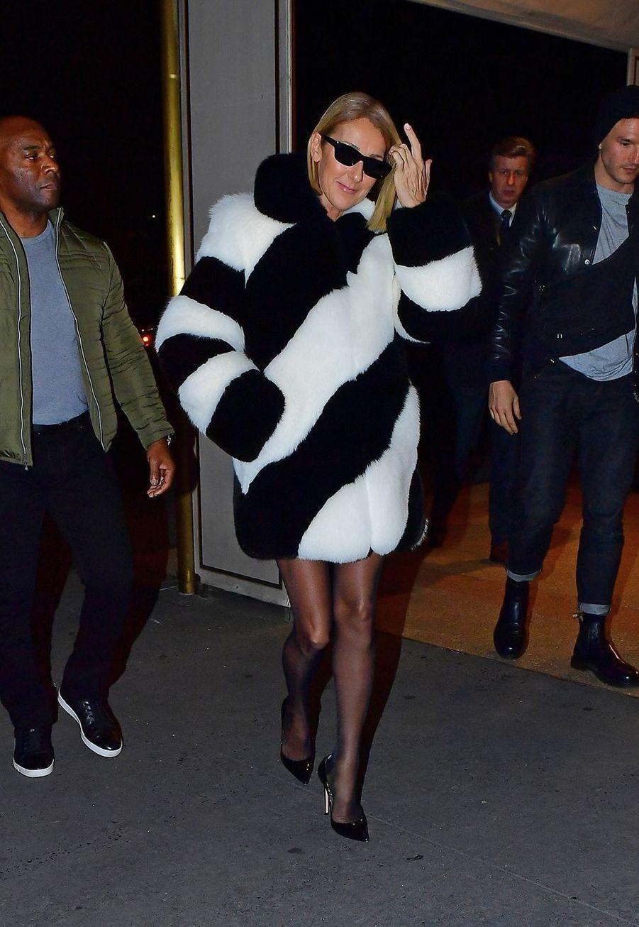 Céline Dion dans une rue de New York alors qu'elle sort dîner le 13 novembre 2019.