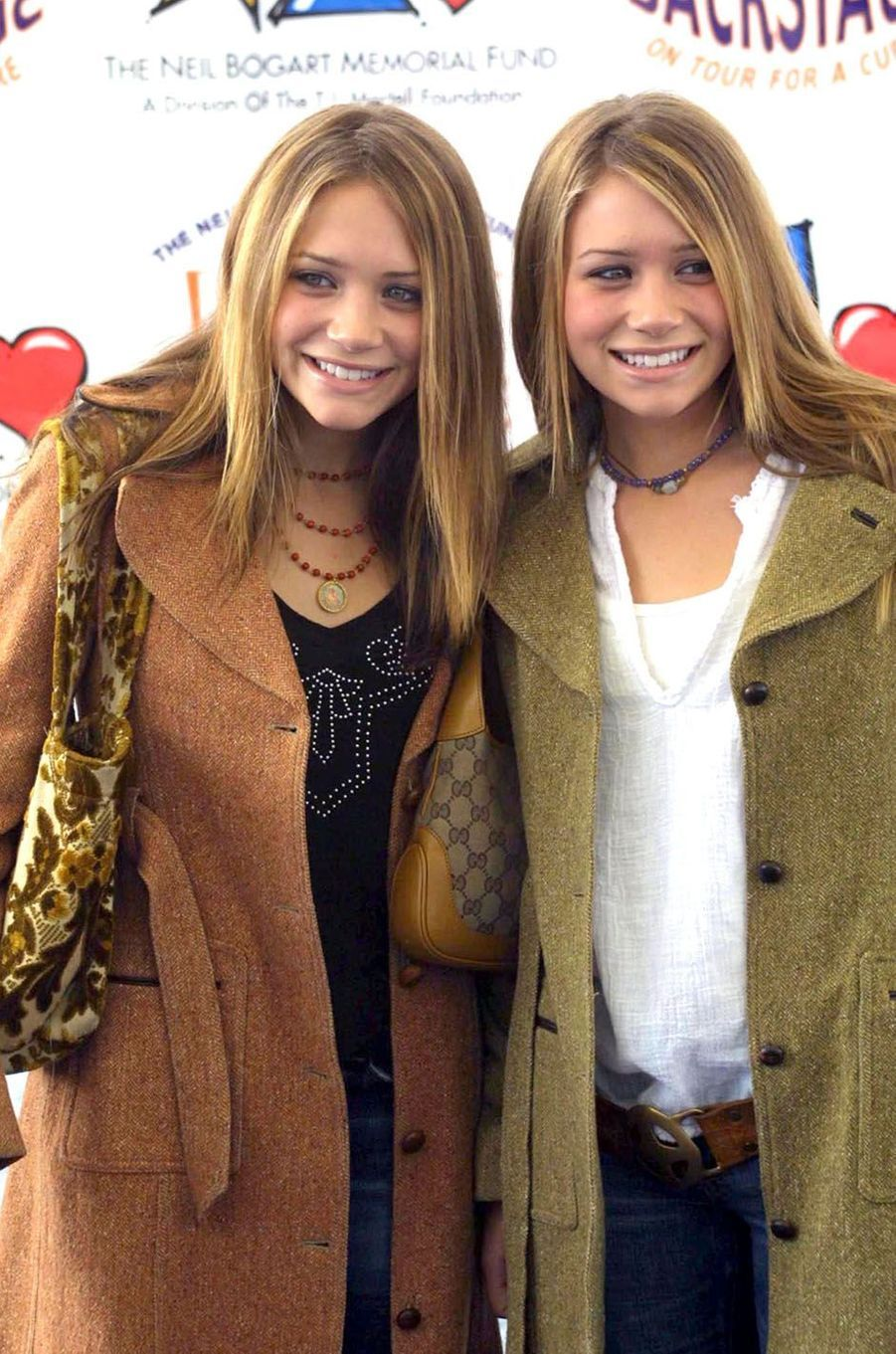Mary-Kate et Ashley Olsen en 2001.