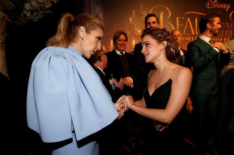 """Céline Dion avec Emma Watson à l'avant-première de """"La Belle et la Bête"""" à Los Angeles, le 3 mars 2017."""