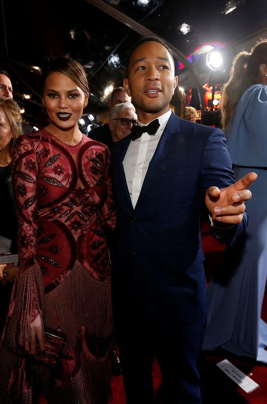 """John Legend et Chrissy Teigen à l'avant-première de """"La Belle et la Bête"""" à Los Angeles, le 3 mars 2017."""