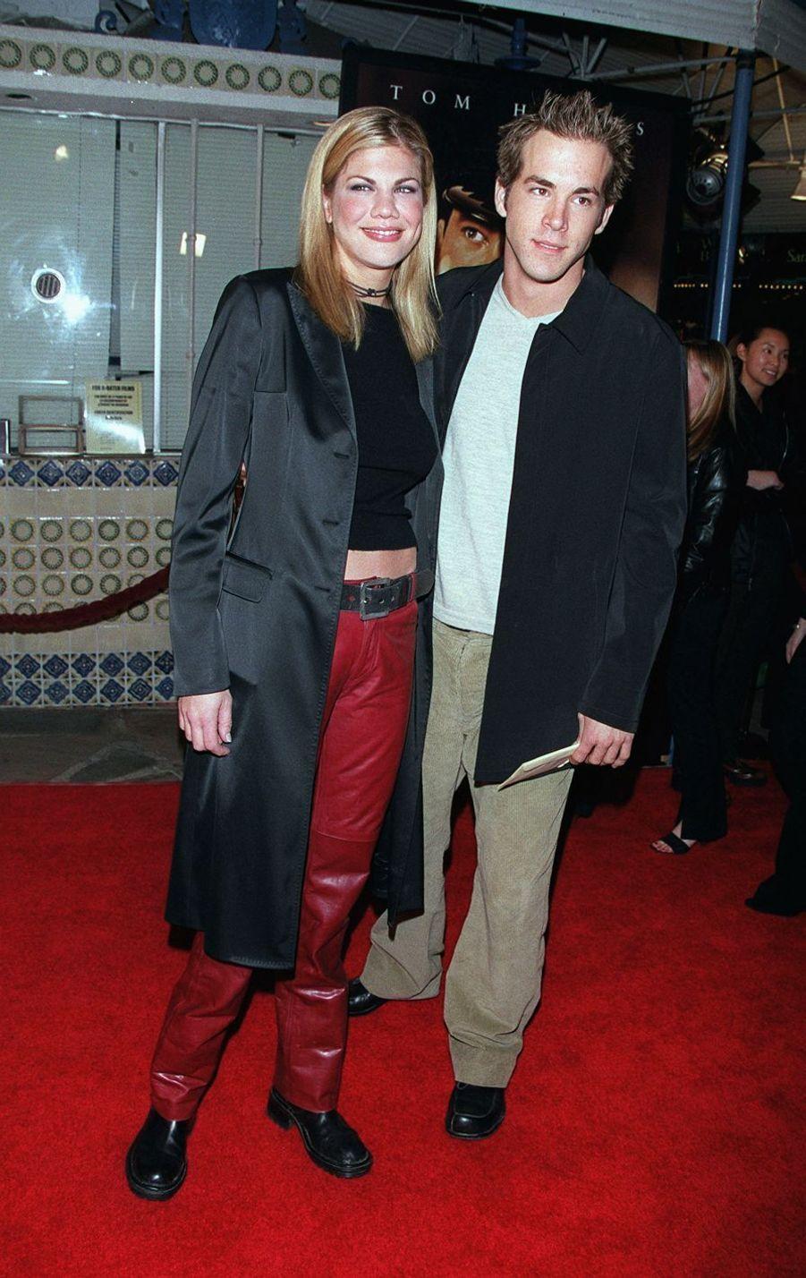 Kristen Johnston et Ryan Reynolds en 1999. Quelques petits mois de romance et puis s'en vont.
