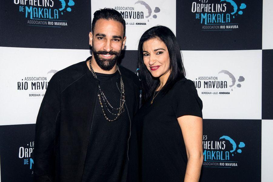 Si Adil Rami s'est fait connaître dans le monde du football, ses sœurs sont studieuses. L'une d'elles, Hafida, est devenue sa manager. Ainsi, le duo forme la recette parfaite pour mener à bien la carrière du champion du monde.