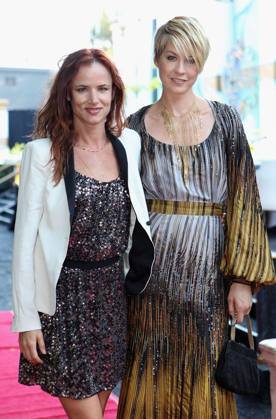 Juliette Lewis au côté de Jenna Elfman en 2011. L'actrice a rejoint l'organisme il y a près de trois décennies.