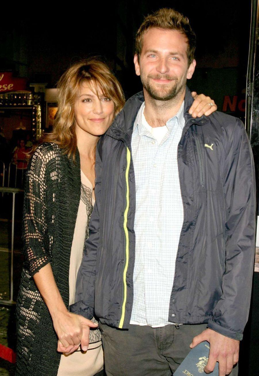 L'acteur du film «Happiness Therapy» a épousé l'actrice Jennifer Esposito en décembre 2006. Leur mariage n'a duré que 5 mois.