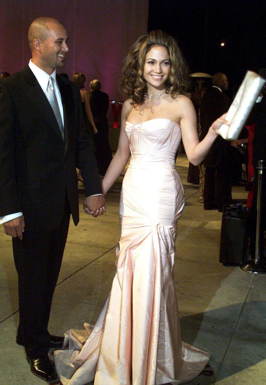 Jennifer Lopez a été mariée au chorégraphe Cris Judd quatre mois à partir de septembre2001.