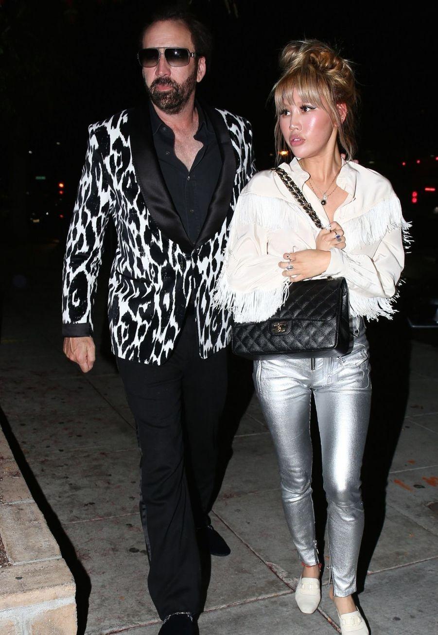 En 2019, Nicolas Cage avait épouse sa petite amie Erika Koike sur un coup de tête avant de demander le divorce quatre jours plus tard. Le divorce a été officialisé après 69 jours d'union.