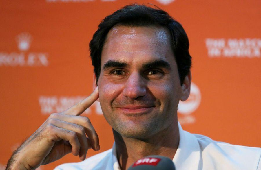 Roger Federer 1 MILLION DE FRANCS SUISSES Pour aider les familles suisses les plus démunies.