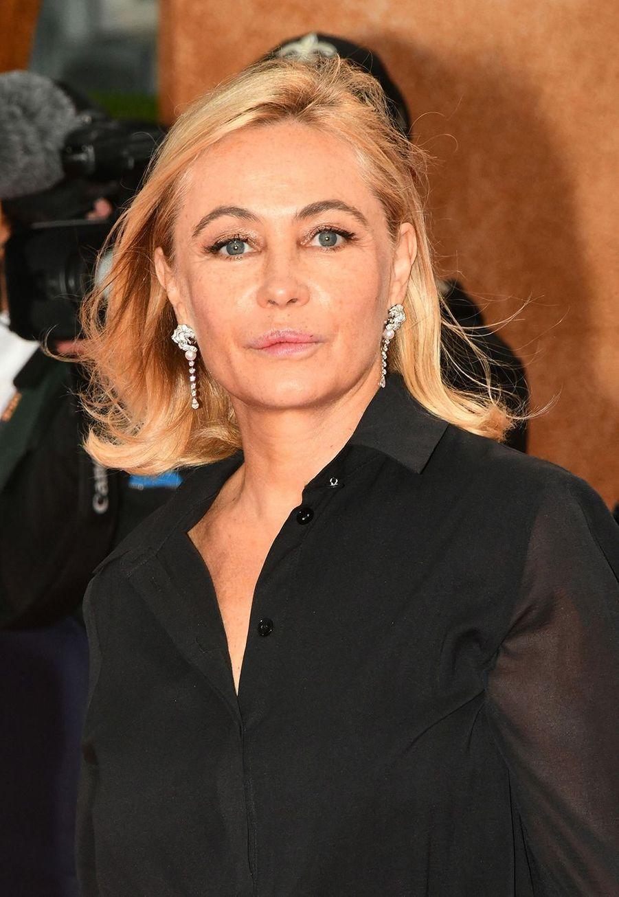 Emmanuelle Béart a confié en2012 au journal «Le Monde»: «J'ai fait refaire ma bouche à l'âge de 27 ans. Ce n'est une énigme pour personne, c'est loupé».