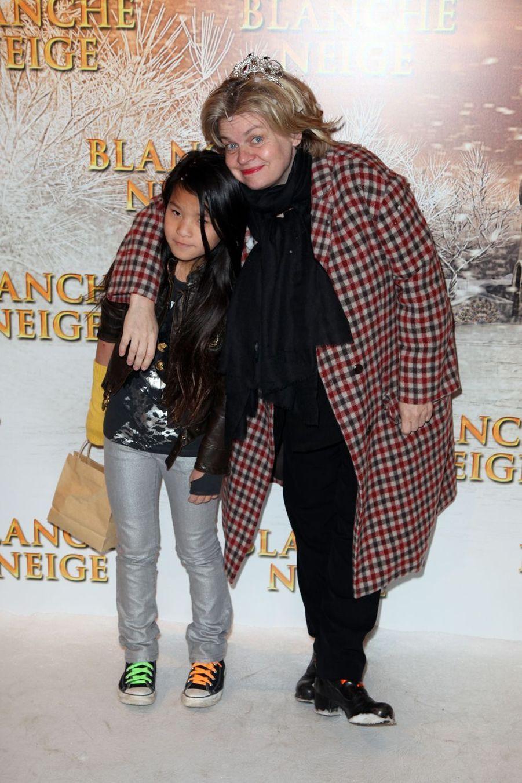 Isabelle Nanty aadopté en 2004 une fille, Tallulah, née en 2002 et d'origine chinoise.