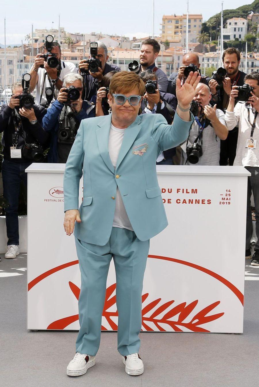 Elton John est devenu papa à l'âge de 63 ans.