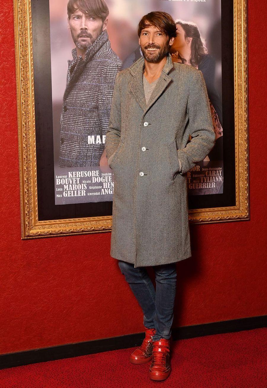 Laurent Kerusoré, connu pour son rôle dans la série «Plus Belle La Vie», a été adopté alors qu'il n'avait que neuf mois. Il a appris son adoption à l'âge de 22 ans.