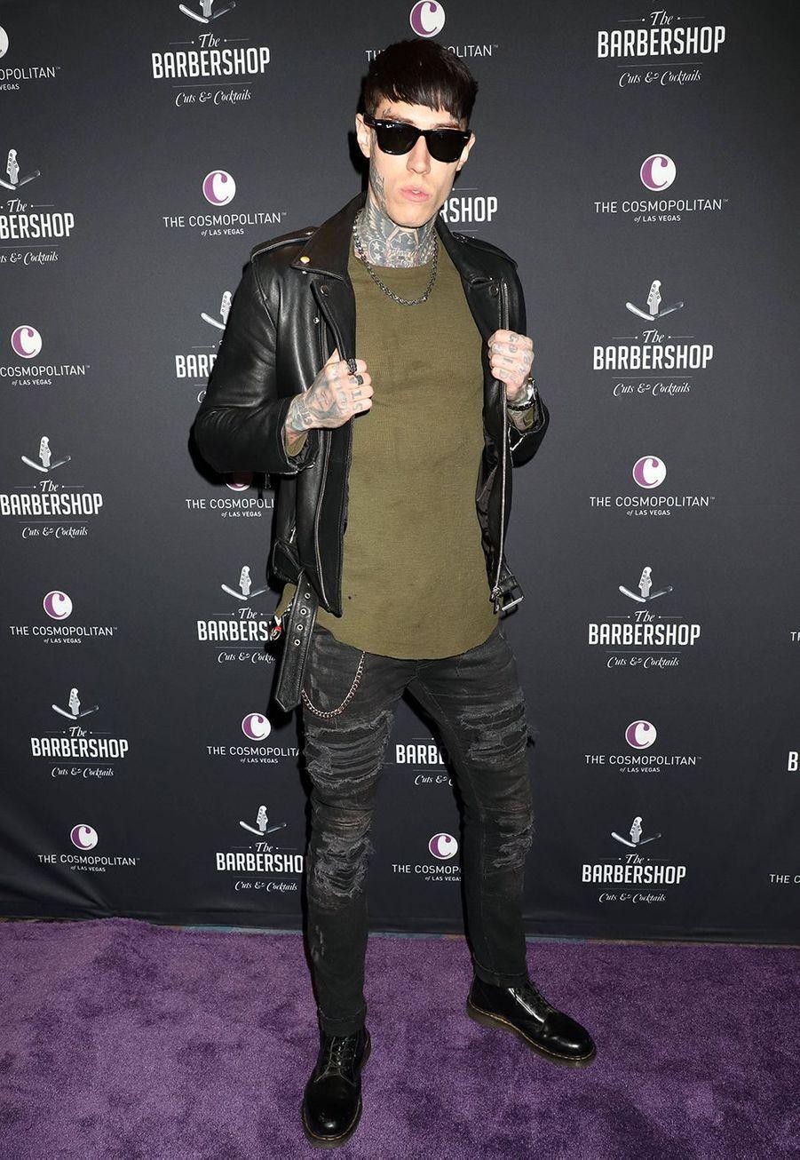 Trace Cyrus, né de la même mère que Miley Cyrus, a été adopté par le père de la célèbre actrice, le chanteur de country Billy Ray Cyrus.