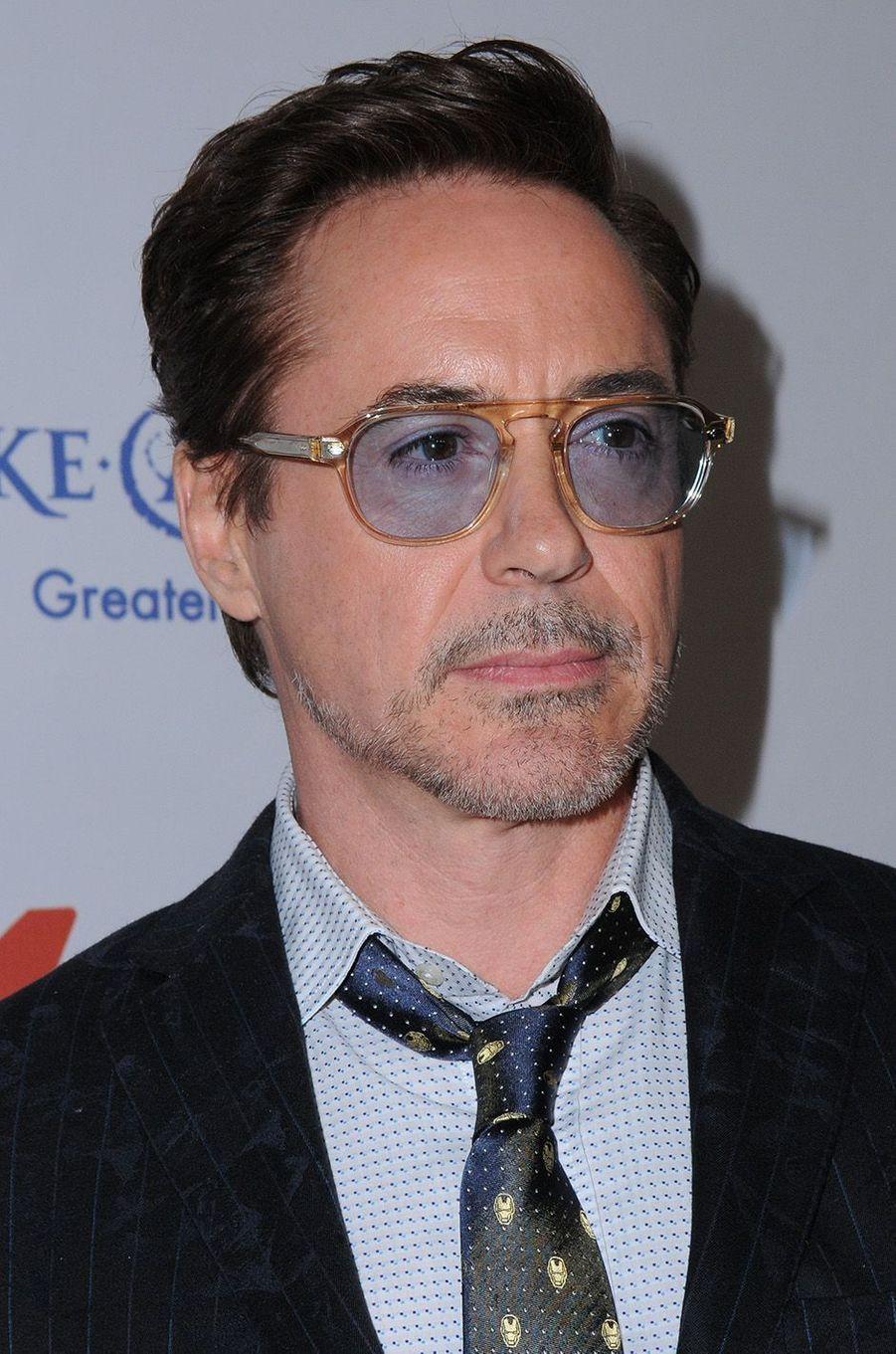 Robert Downey Jr. passe par la case prison en 1999 pour possession de drogue.