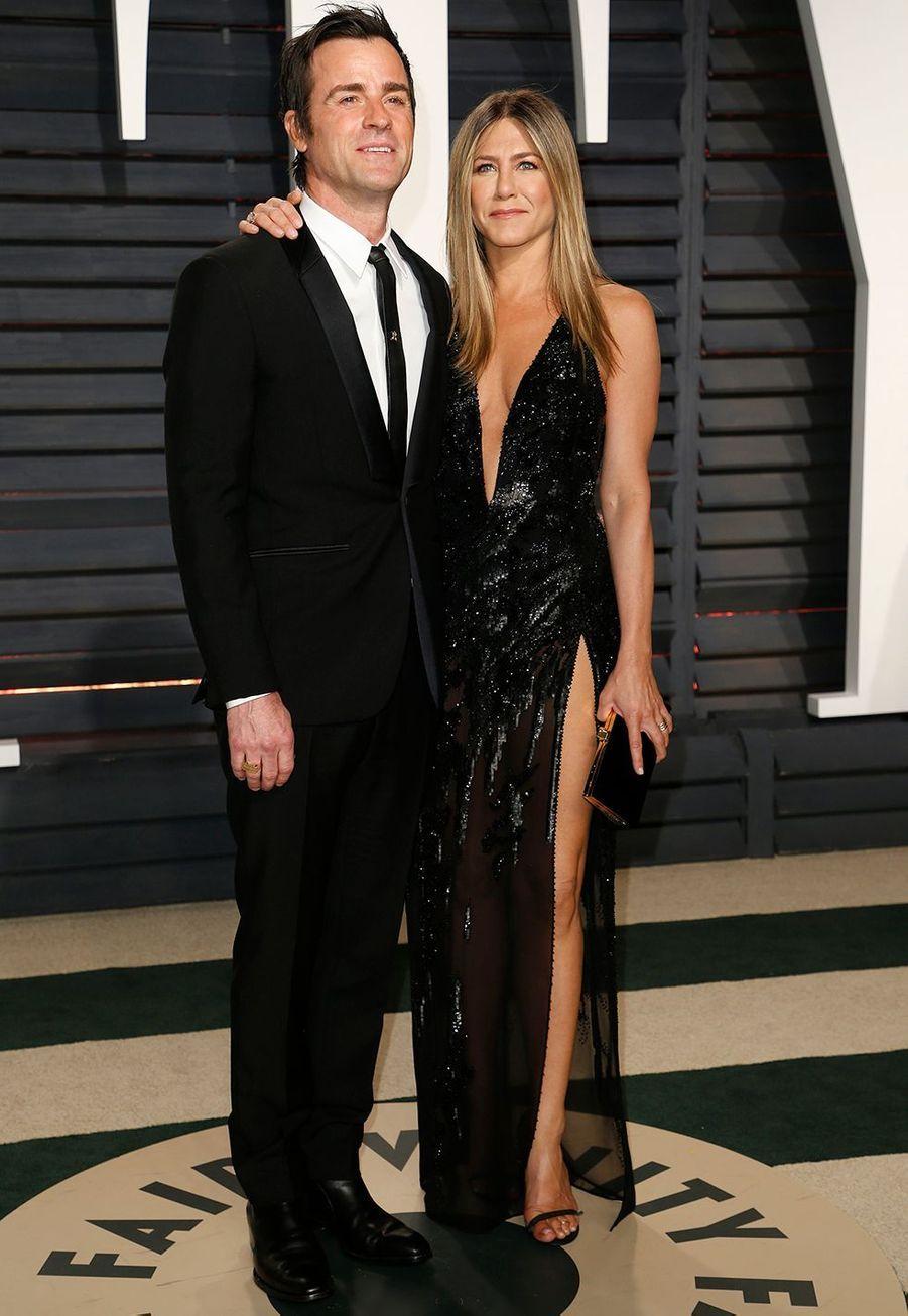 Justin Theroux et Jennifer Aniston, désormais divorcés, se sont mariés en secret enaoût 2015, quelques jours avantl'anniversaire de l'acteur.Le couple s'est dit oui dans le jardin de son manoir de Bel Air, à Los Angeles.Les convives, qui pensaientavoir été invités à fêter les 44 ans Justin, ont été surprisd'assisteren réalité à leur mariage, comme l'avait rapporté le magazine«People».