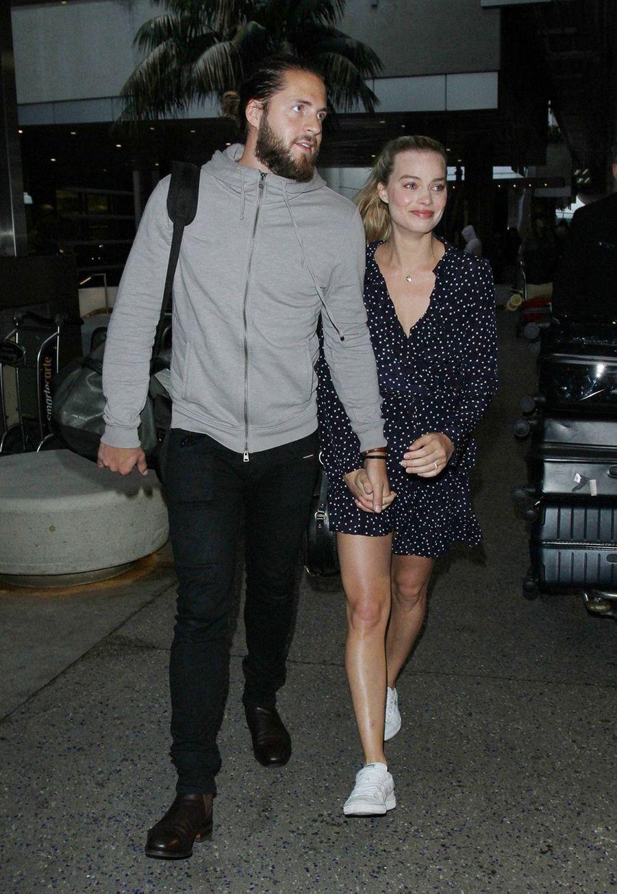 Margot Robbie et Tom Ackerley se sont mariés en décembre 2016 en Australiealors qu'ils n'avaient même pas annoncé leurs fiançailles. L'actrice a confirmé sa nouvelle union sur Instagram quelques jours plus tard en dévoilant son alliance.