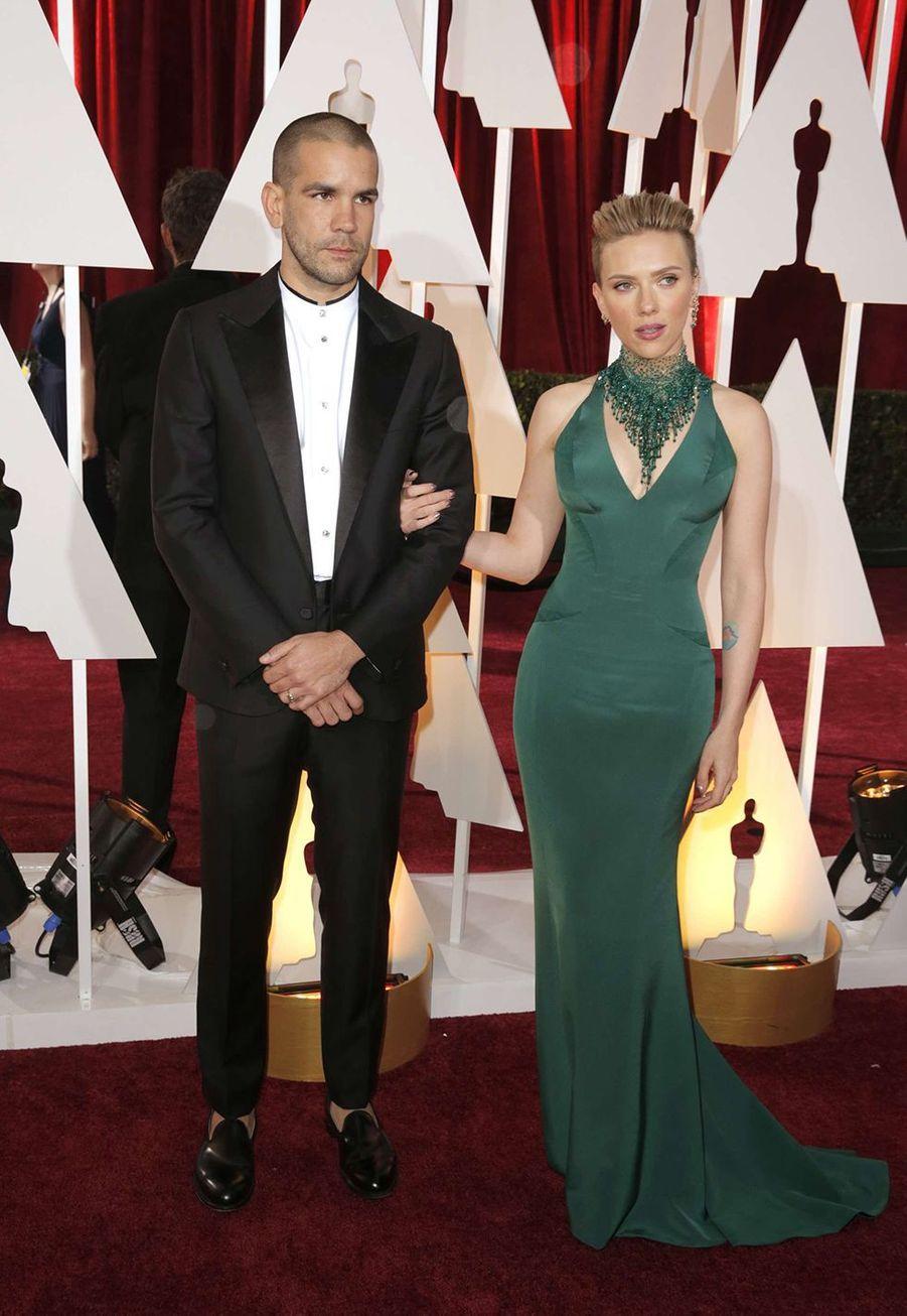 Scarlett Johansson et Romain Dauriac, séparés depuis 2016, se sont mariés en août 2013 à la mairie dePhilipsburg, une ville au nord-ouest des Etats-Unis, selon les informations récoltées à l'époque par le magazine«People». Ils avaient gardé la date du mariage secrète afin que les paparazzi n'affluent pas à la cérémonie.