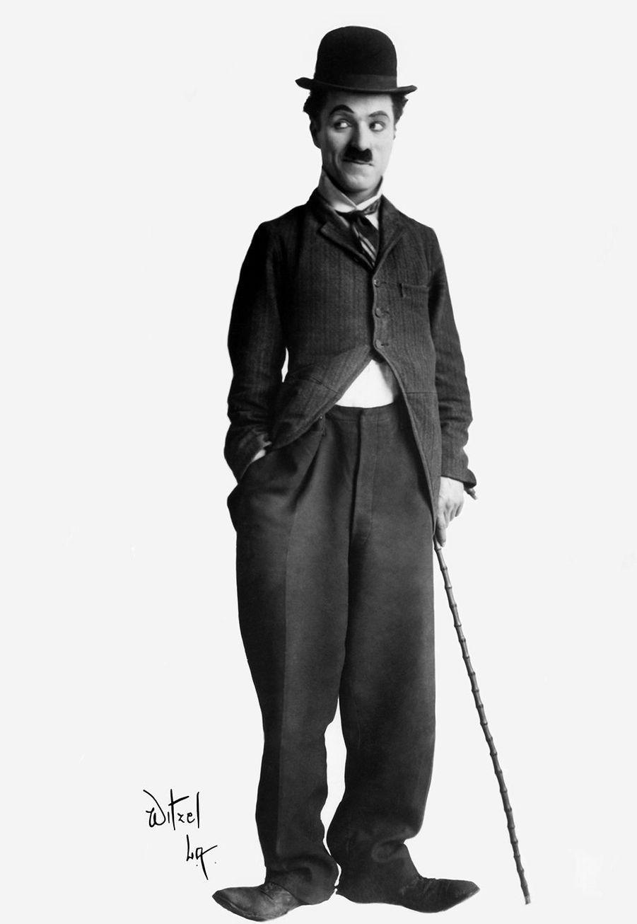 Charlie Chaplin a vécu une enfance d'errance et de pauvreté avec une mère soufrant d'une maladie mentale et un père alcoolique.