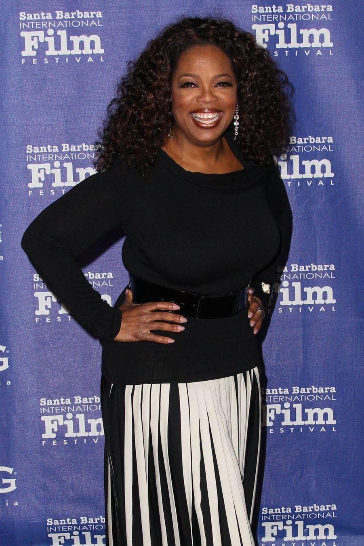 Oprah Winfrey a été sexuellement agressée et maltraitée quand elle était petite. À la première occasion, elle a saisi sa chance dans une radio locale.