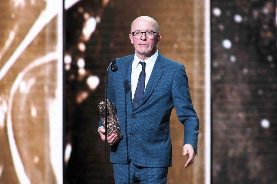 """Jacques Audiard (meilleur réalisateur pour """"Les Frères Sisters"""") lors de la cérémonie des César à la Salle Pleyel à Paris le 22 février 2019"""