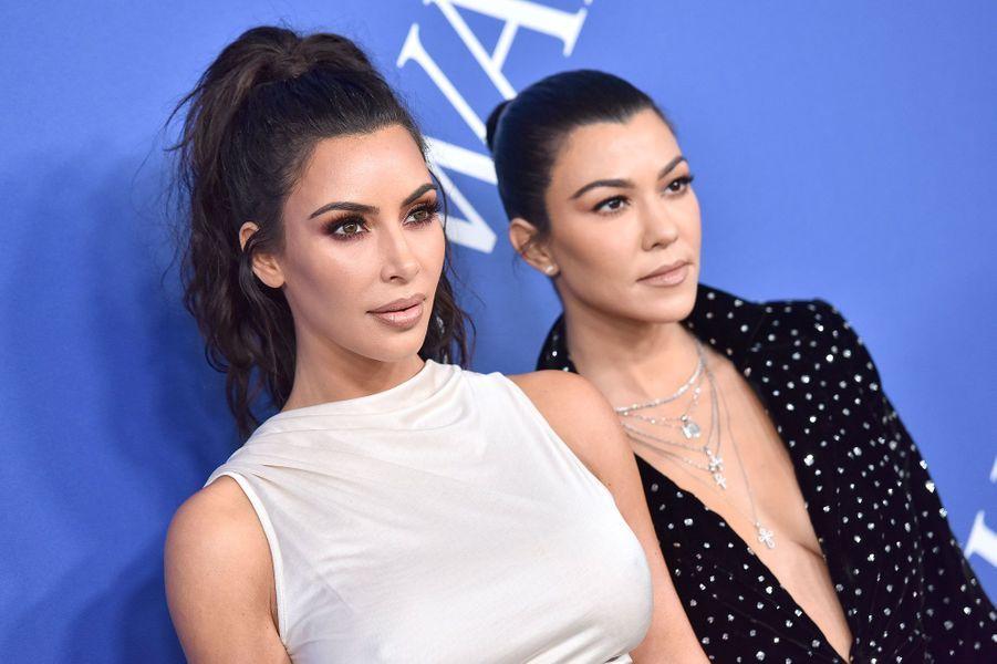 Kim Kardashian et Kourtney Kardashian aux CFDA Fashion Awards le 4 juin 2018