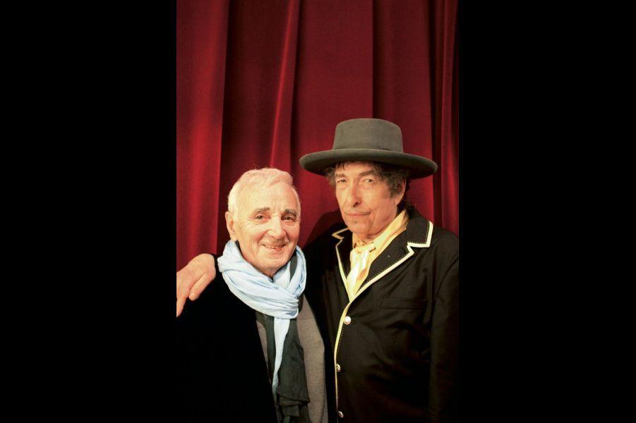 Paris, le 8 avril 2009. Avec Bob Dylan au Palais des Congrès. Le chanteur américain avait repris « Les bons moments » (« The Times We've Known ») en apprenant sa présence dans la salle.