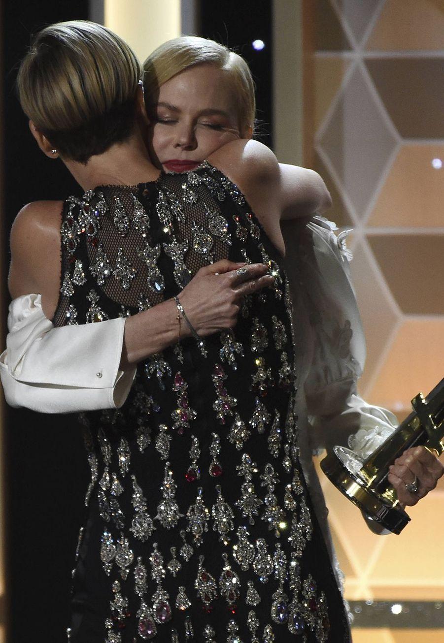 Charlize Theron et Nicole Kidman lors des 23èmeHollywood Film Awards à Beverly Hills, le dimanche 3 novembre 2019.