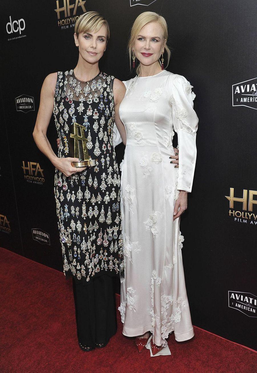 Charlize Theron et Nicole Kidmanlors des 23èmeHollywood Film Awards à Beverly Hills, le dimanche 3 novembre 2019.