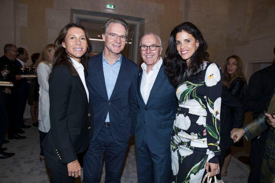 Olivier Royant et son épouse Delphine, Frank McCourt et son épouse Monica