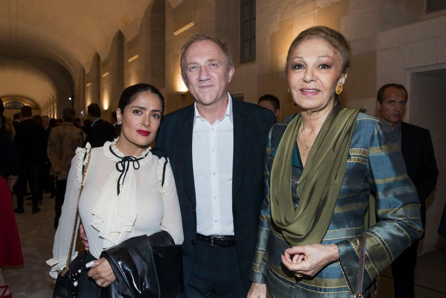 Salma Hayek, François-Henri Pinault et l'impératrice Farah Diba