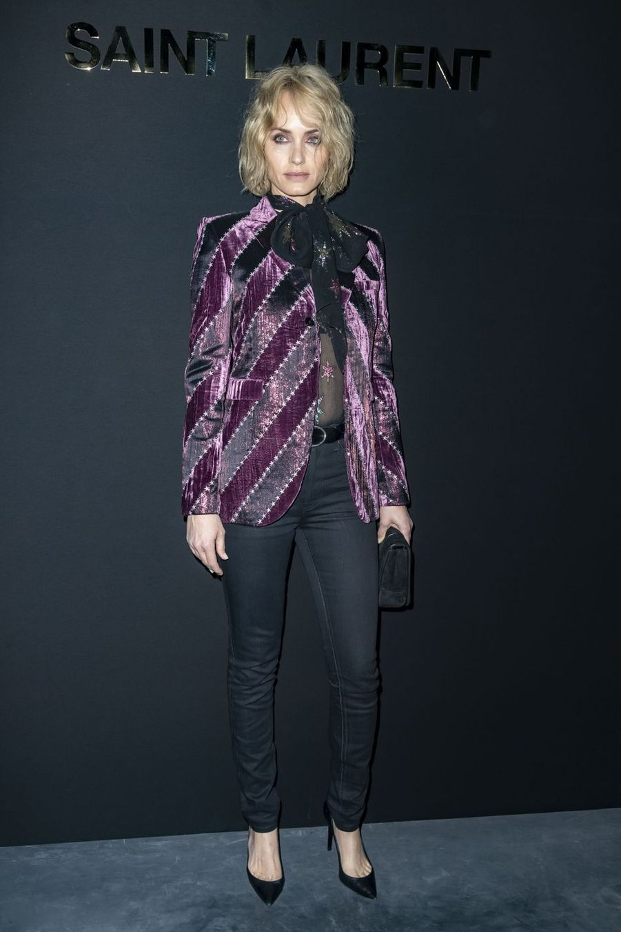 Amber Valletta au défilé Saint Laurent lors de la Fashion Week de Paris le 26 février 2019