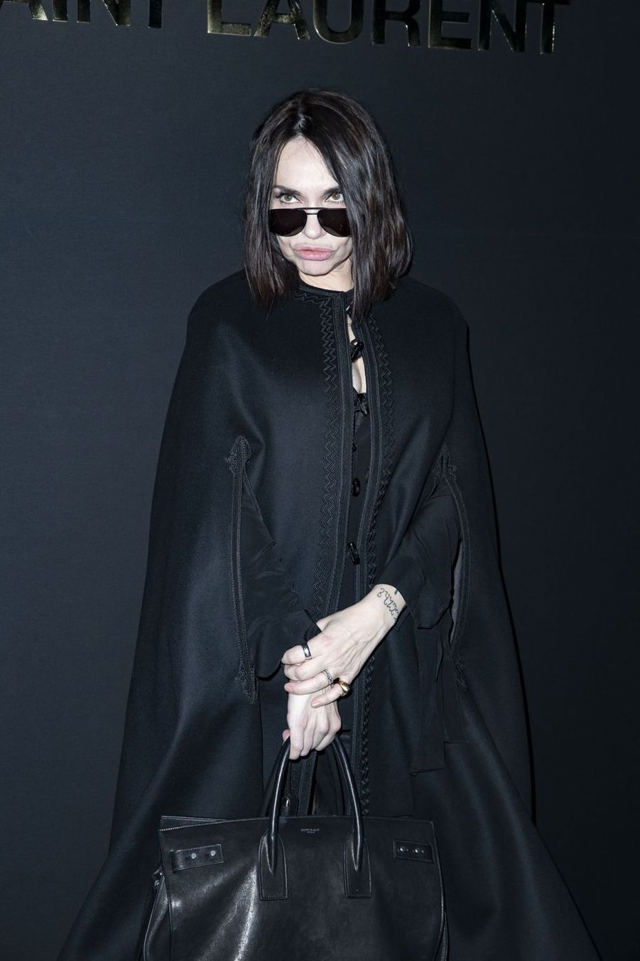 Béatrice Dalle au défilé Saint Laurent lors de la Fashion Week de Paris le 26 février 2019