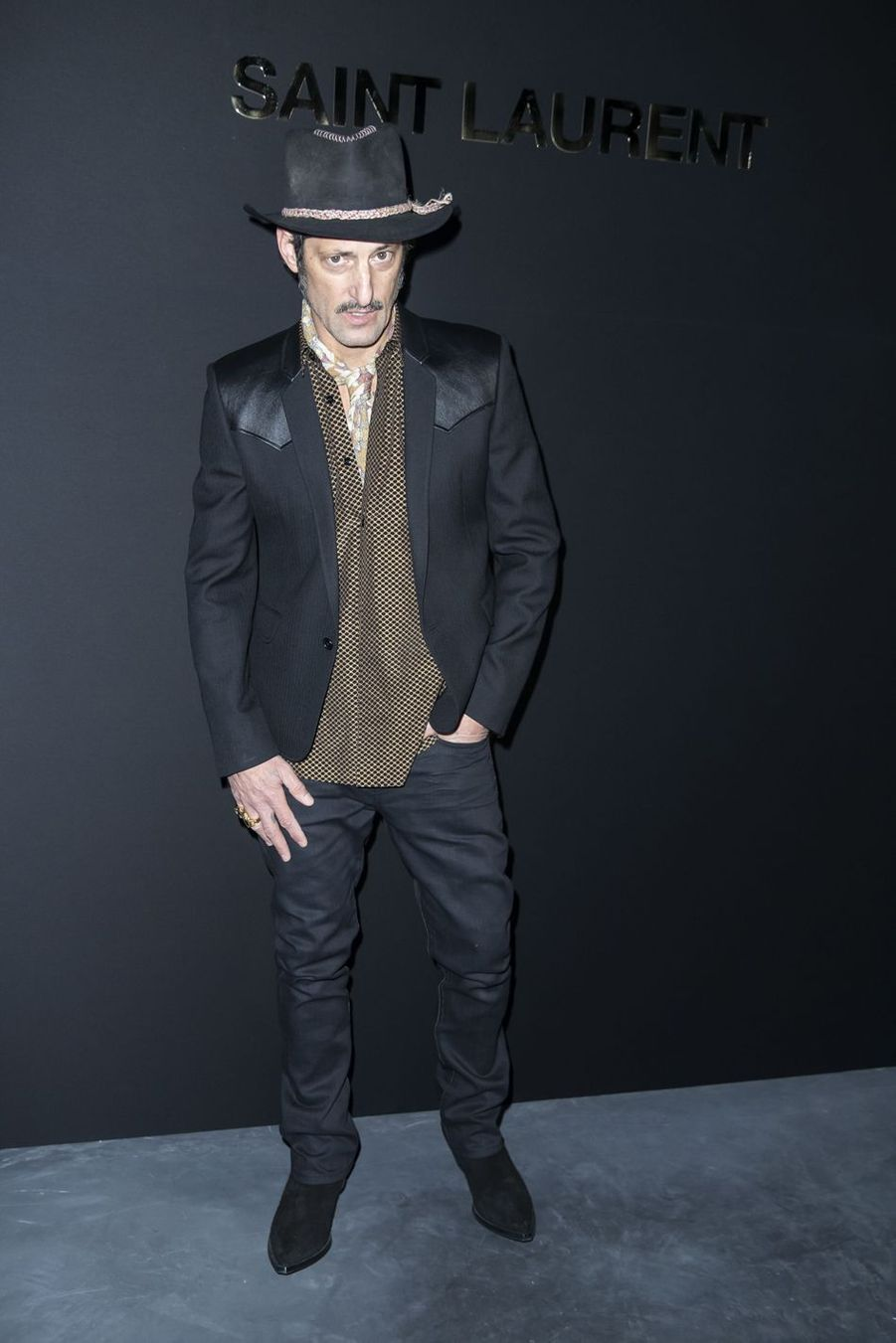 Vincent Gallo au défilé Saint Laurent lors de la Fashion Week de Paris le 26 février 2019
