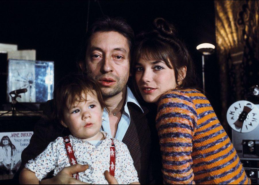 Serge Gainsbourg, Jane Birkin et Charlotte en 1973.