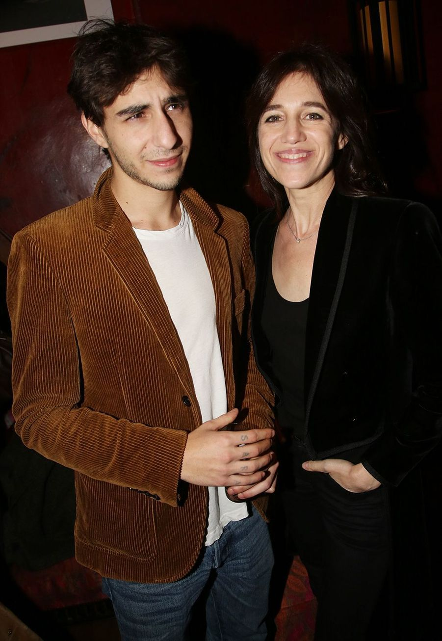 Ben Attal et Charlotte Gainsbourg à l'after-party du film «Mon chien stupide» au Buddha Bar à Paris le 22 octobre 2019