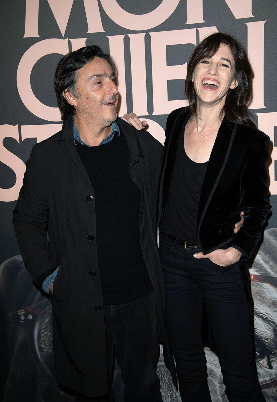 Yvan Attal et Charlotte Gainsbourgà la première de «Mon chien stupide» à Paris le 22 octobre 2019