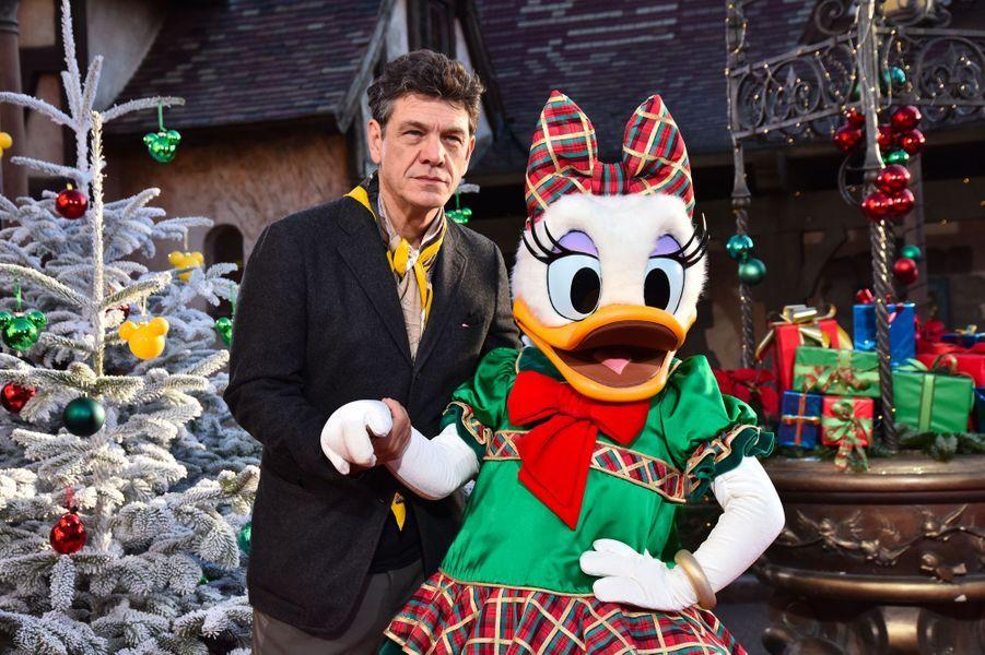 Marc Lavoine célèbre Noël et les 90 ans de Mickey à Disneyland