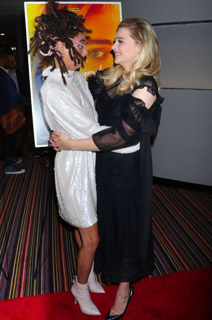 """Chloë Grace Moretz et Sasha Lane à la première de """"Come as you are"""" à New York le 1er août 2018"""