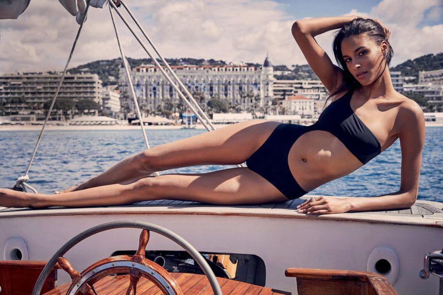 Cindy embarque pour l'île Sainte-Marguerite, à quelques encablures de Cannes.