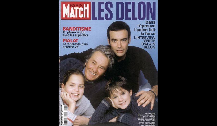 2003. Trois générations d'acteurs autour de Delon: Anthony qui tourne pour la télévision, Anouchka, 12 ans, qui sera sa partenaire dans «Le lion» et Alain-Fabien, 8 ans qui lui a déjà donné la réplique dans «Fabio Montale».