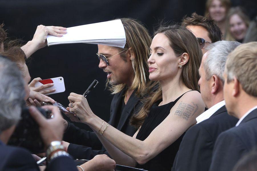 """Angelina Jolie et Brad Pitt à l'avant-première de """"World War Z"""" à Londres en juin 2013."""