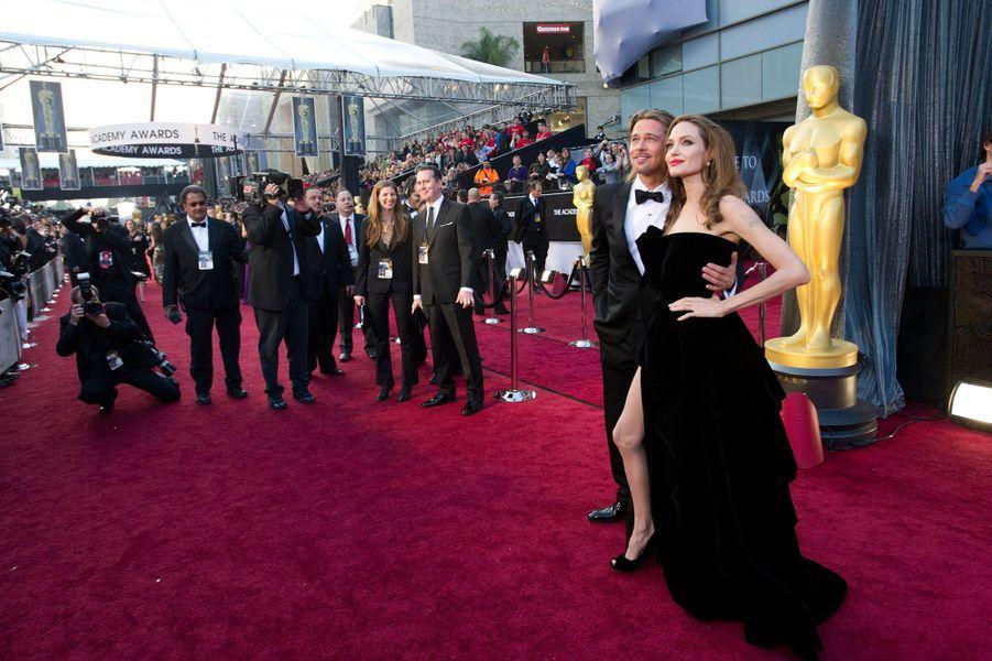 Angelina Jolie et Brad Pitt à la soirée des Oscars 2012.