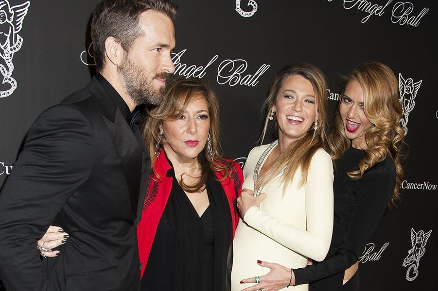 "Ryan Reynolds, Lorraine Schwartz, Blake Lively et Ofira Sandberg au gala ""Angel Ball 2014"" organisé le lundi 20 octobre 2014 à New York"