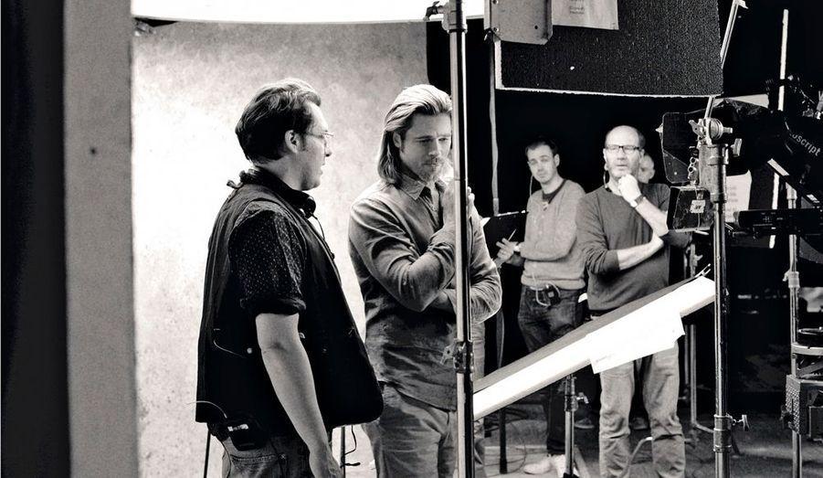 Making of du tournagede la publicité photographiépar Sam Taylor Wood.BradPitt au côté de Joe Wright,le réalisateur du nouveaufilm Chanel N° 5.