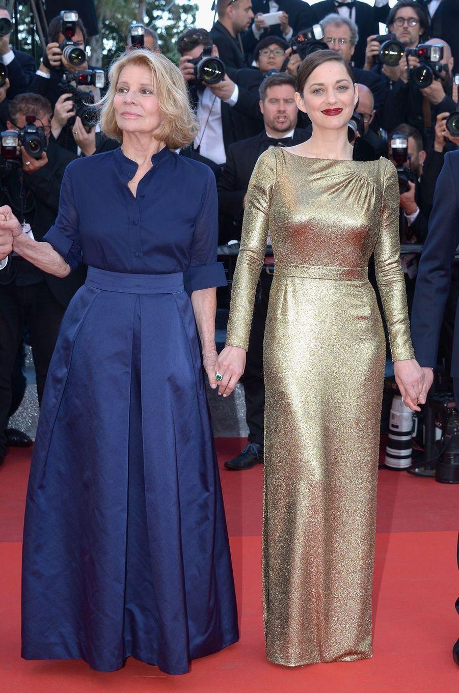Nicole Garcia et Marion Cotillard, à Cannes, le 15 mai 2016